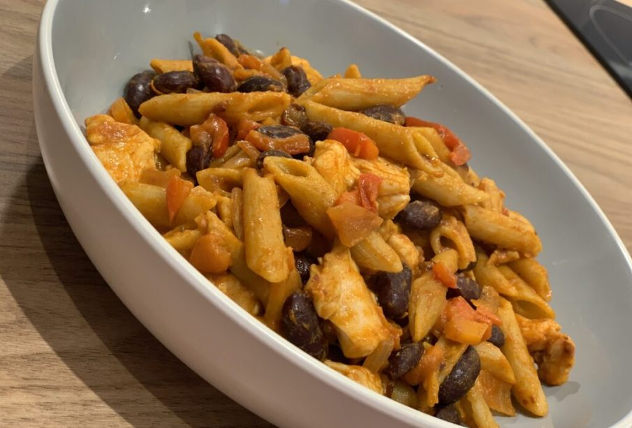 Chicken Fajita Pasta | Slimming World Recipe | FatGirlSkinny.net